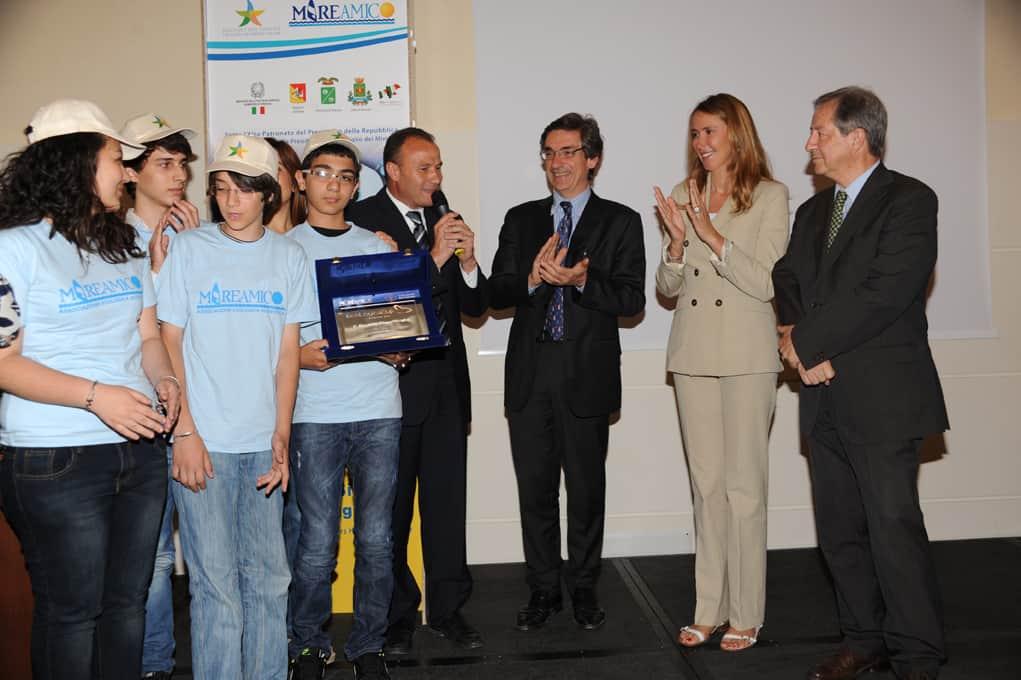il-ministro-prestigiacomo-premia-la-scuole-vincitrici-del-concorso-ecologica-cup