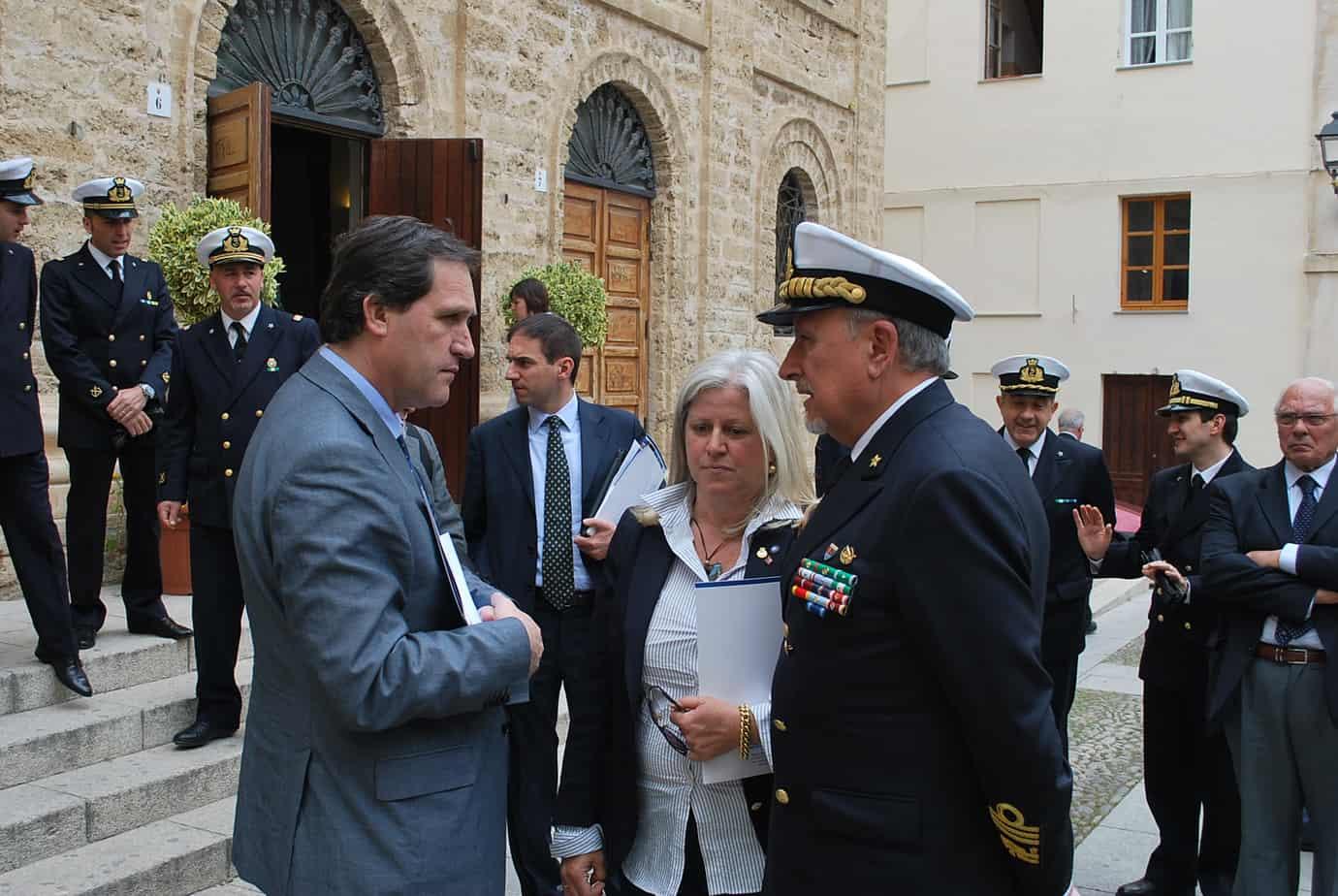 il-sottosegretario-roberto-menia-la-dott-ssa-maria-gloria-giani-lammiraglio-raimondo-pollastrini-pollastrini