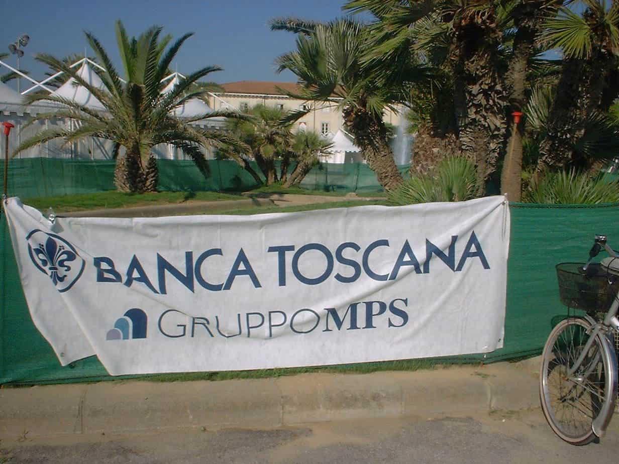 tuttambiente2-viareggio-24-26-05-06-stand-banca-toscana